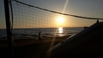 Urlaub-Oktober-Alanya-Beachvolleyballfeld-bei-Sonnenuntergang